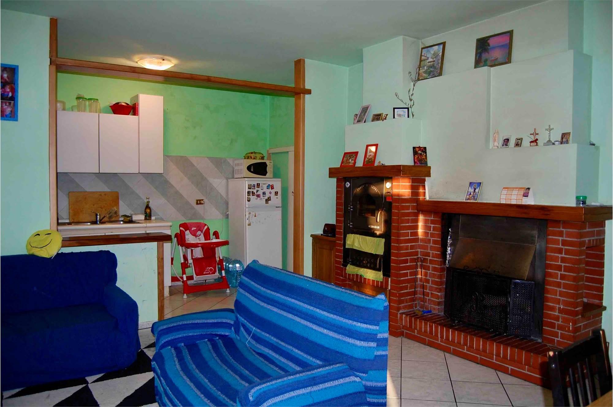 Appartamento mq. 105 con taverna e garage